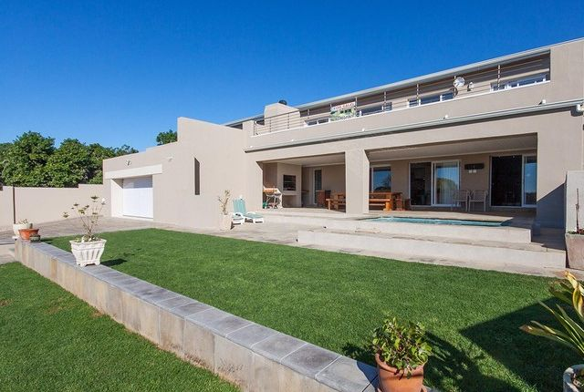 Thumbnail Detached house for sale in 6 Eastbourne Road, Kenton-On-Sea, South Africa, Eastern Cape, South Africa