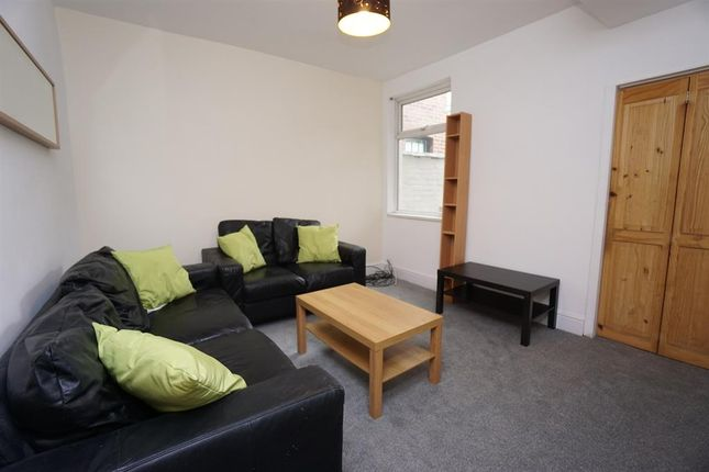 Thumbnail Shared accommodation to rent in Shoreham Street, Sheffield