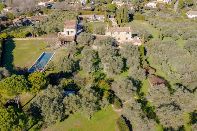 Thumbnail Finca for sale in Châteauneuf-Grasse, 06740, France