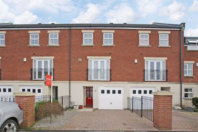 Thumbnail Town house to rent in Hutton Gate, Harrogate, North Yorkshire