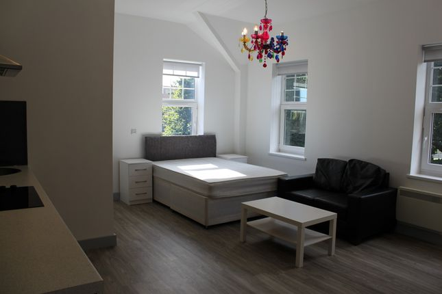 Studio to rent in Llanfair Buildings, Swansea