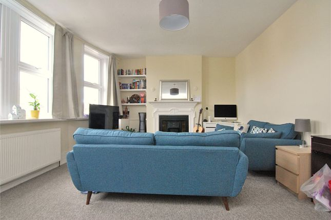 2 bed flat to rent in Grand Parade, Green Lanes, London