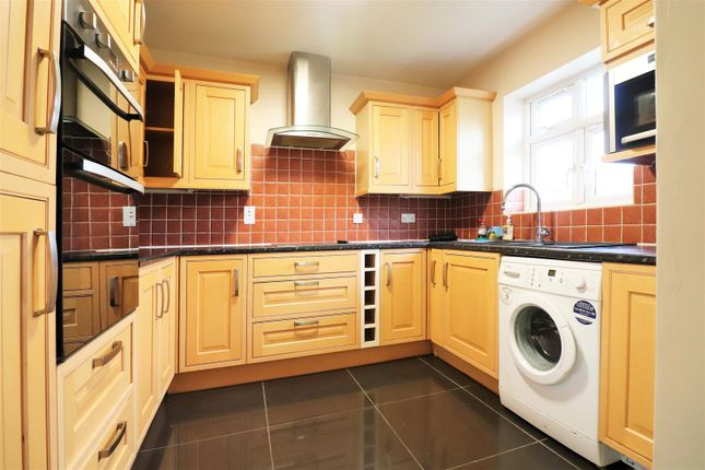 Thumbnail Semi-detached house for sale in Parsonage Manorway, Belvedere
