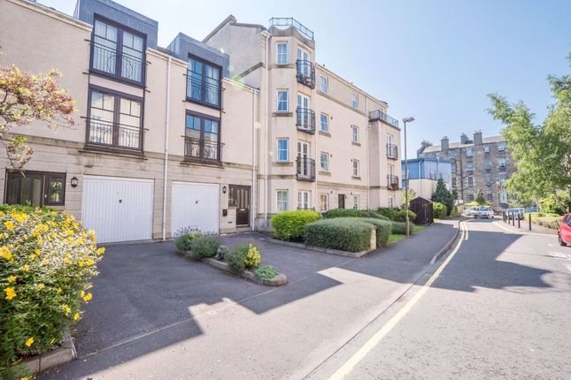Thumbnail Town house to rent in Huntingdon Place, Bellevue