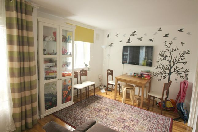 Thumbnail Maisonette for sale in Bolster Grove, Crescent Rise, London