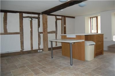 6 bed end terrace house to rent in High Street, Stonehouse, Gloucestershire
