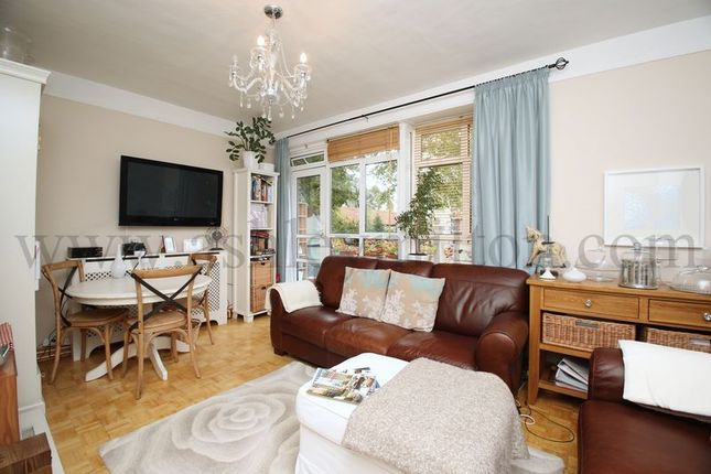 Thumbnail Flat for sale in Cheshunt House, Mortimer Crescent, London
