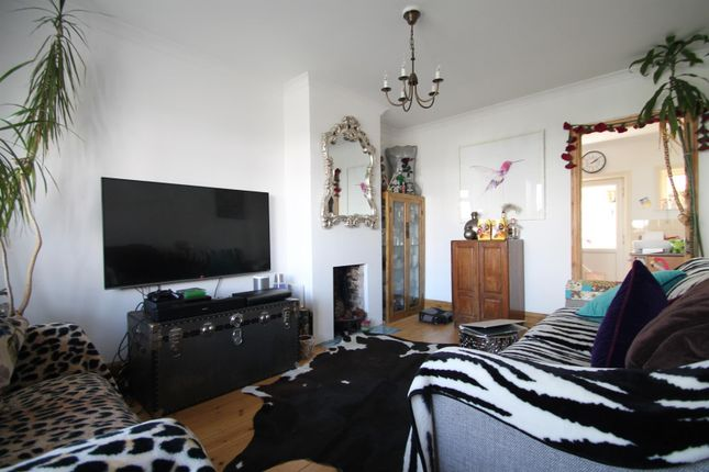 Thumbnail Semi-detached house to rent in Lanfranc Road, Worthing