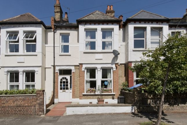 Thumbnail Flat to rent in Sandtoft Road, London