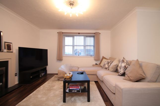 Redford Close, Feltham TW13