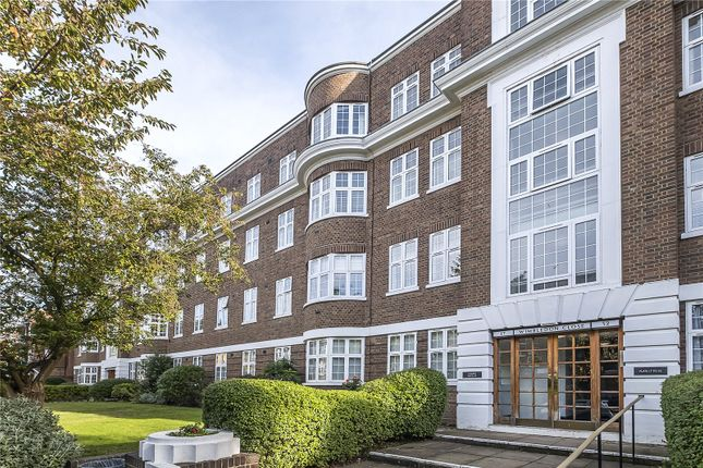 3 bed flat for sale in Wimbledon Close, The Downs, London SW20