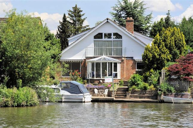 Thumbnail Detached house for sale in Riverside, Wraysbury, Berkshire