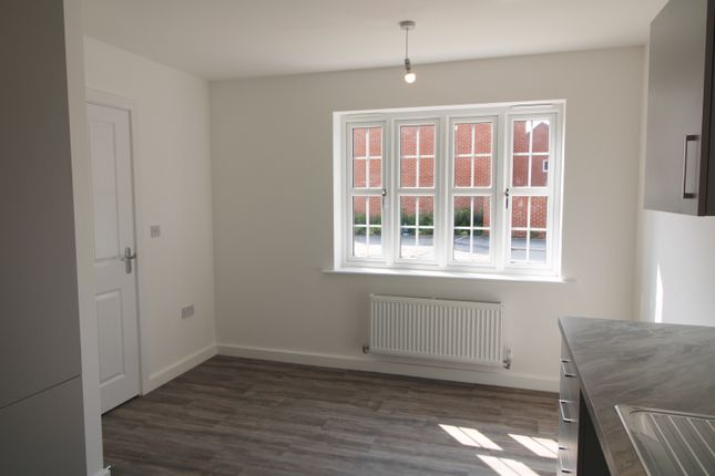 3 bedroom semi-detached house for sale in Goldfinch Way, Easingwold