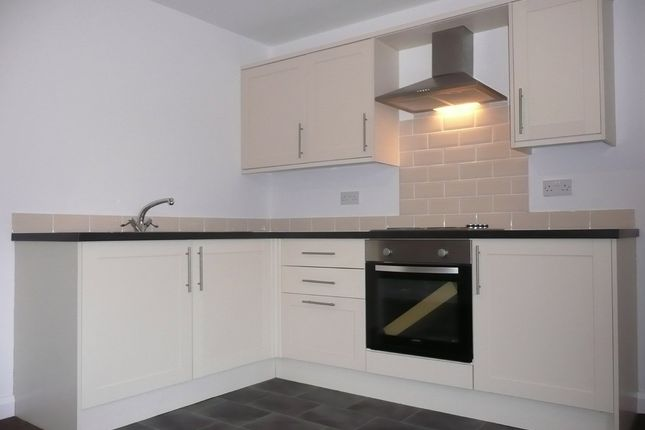 Thumbnail Flat to rent in Burnley Road, Padiham, Lancs