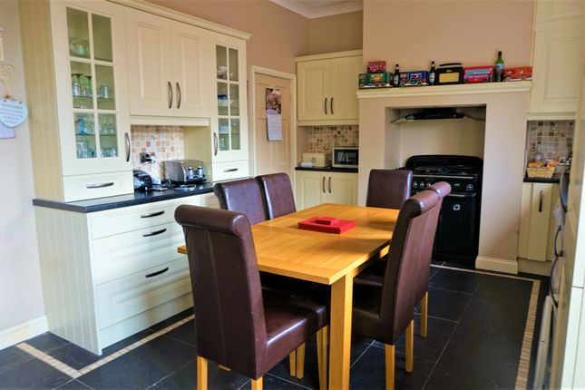 Thumbnail Terraced house for sale in Valley Road, Liversedge