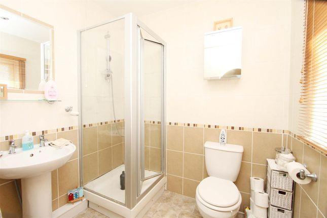 En-Suite of Clovelly Close, Ickenham, Uxbridge UB10