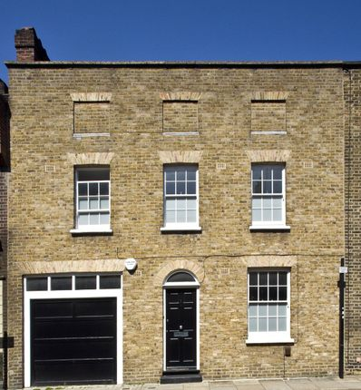 Picture No. 03 of Whittlesey Street, Lambeth, London SE1