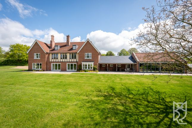 Thumbnail Detached house for sale in Hook Lane, Hadleigh