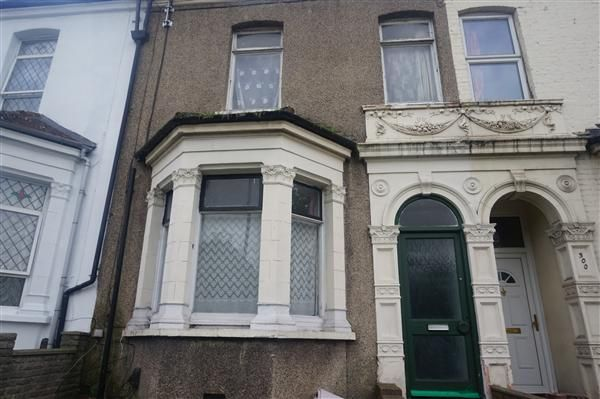 Thumbnail Property to rent in Plumstead High Street, London