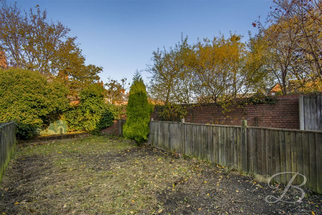 _Dsc0621-Hdr of Bancroft Lane, Mansfield NG18
