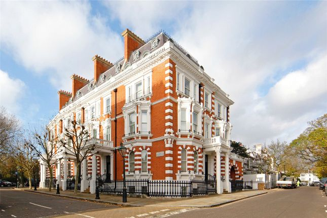 Thumbnail Flat for sale in Observatory Gardens, London