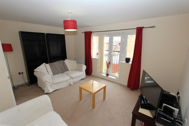 Thumbnail Semi-detached house to rent in Parkside Drive, Seacroft, Leeds
