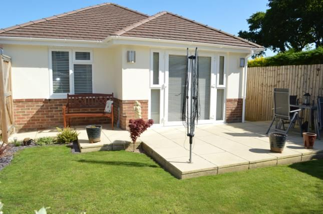 2 Bed Bungalow For Sale In Redhill Bournemouth Dorset