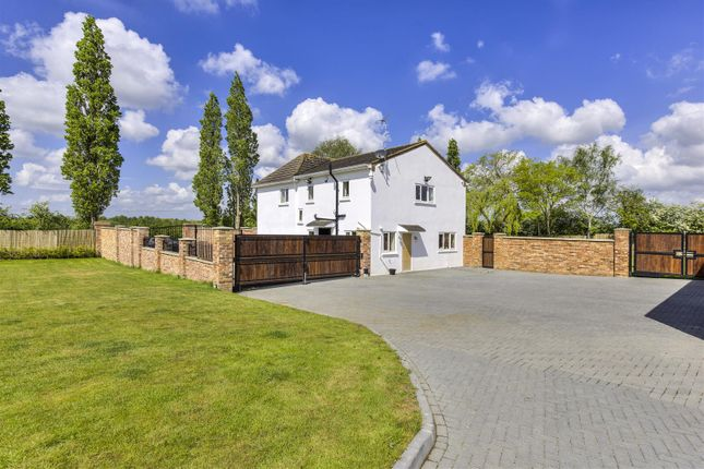 Thumbnail Detached house for sale in Tempsford Road, Sandy