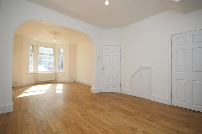 Thumbnail Property to rent in Park Avenue, Barking