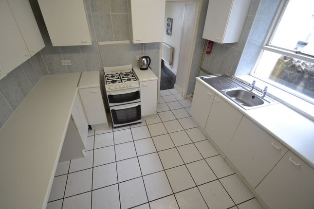 Thumbnail Property to rent in Queen Street, Treforst, Pontypridd