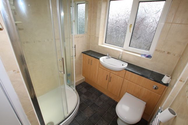 Shower Room of Hodgkinson Avenue, Penistone, Sheffield S36