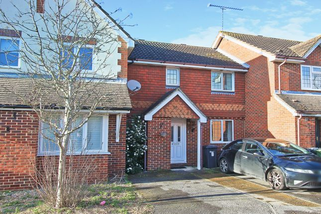 Thumbnail Property to rent in Manor Farm Close, Ash, Aldershot