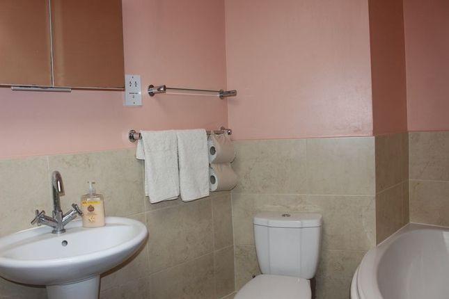 Family Bathroom of William Street, Calne SN11