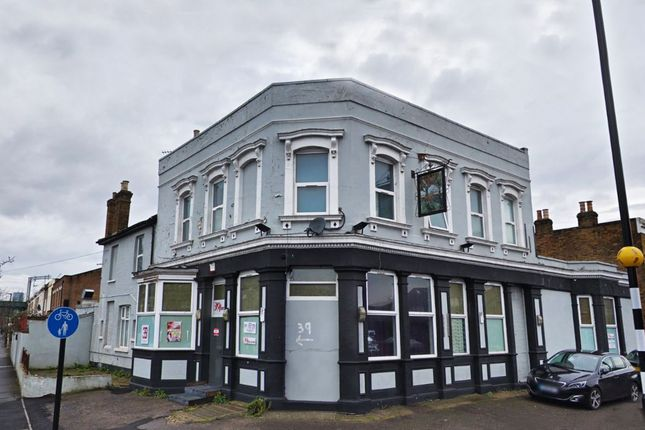 Thumbnail Pub/bar to let in Dames Road, London
