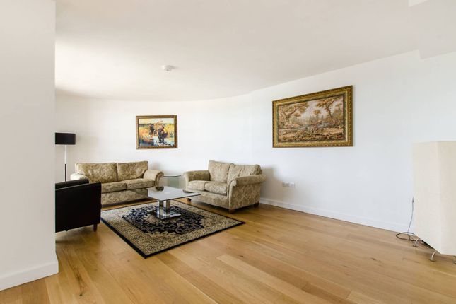 Thumbnail Flat to rent in Lombard Road, Battersea