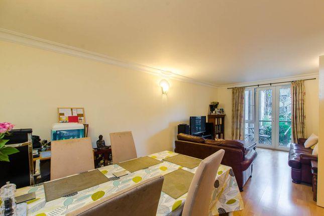 2 bed flat for sale in Westminster Bridge Road, Waterloo