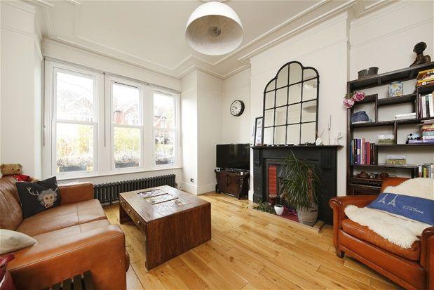 Thumbnail Property to rent in Ruskin Walk, London
