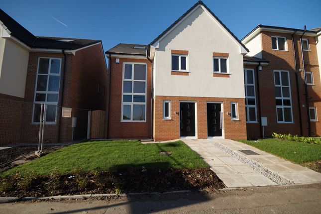 Thumbnail Mews house to rent in Woodvale, Bolton