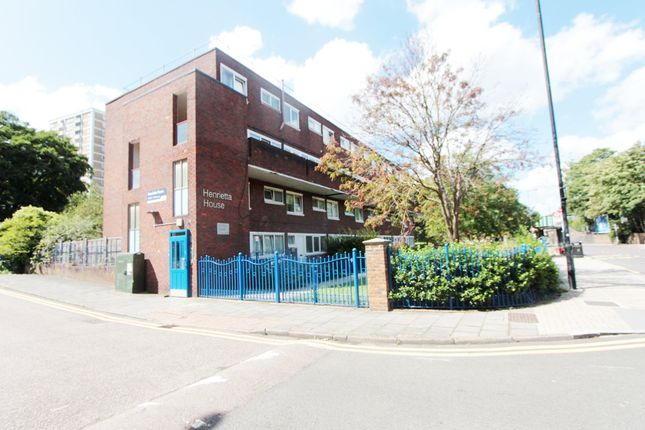 3 bed flat to rent in Henrietta House, St. Anns Road, South Tottenham N15