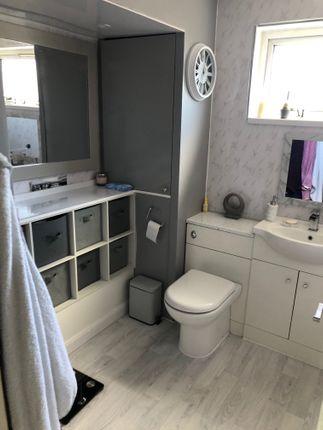 """Bathroom 8,8"""" x 6,10"""""""