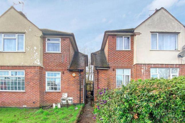 2 bed flat to rent in Hertford Road, Enfield EN3