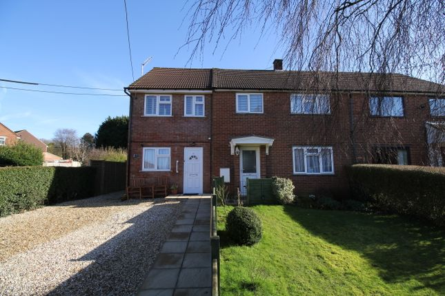 Thumbnail Maisonette for sale in Windmill Fields, Four Marks, Hampshire