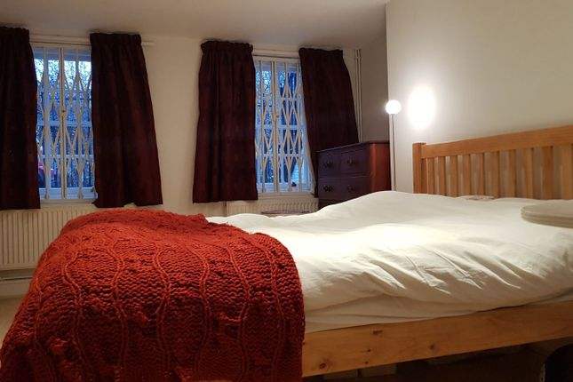 Room to rent in West Square, London, Greater London