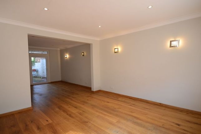 2 bed terraced house to rent in St. Marks Place, Windsor