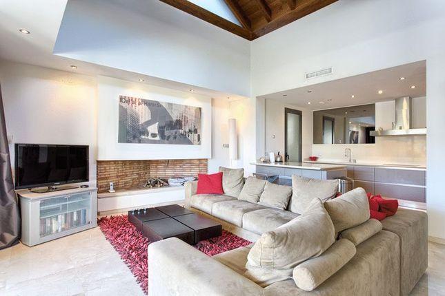 3 bedroom apartment for sale in Golden Mile, Marbella, Malaga