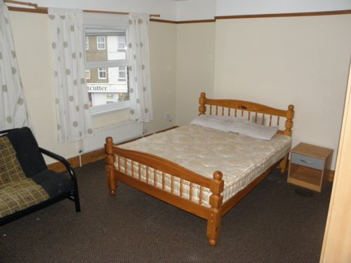 Room to rent in Dartmouth Road, Sydenham