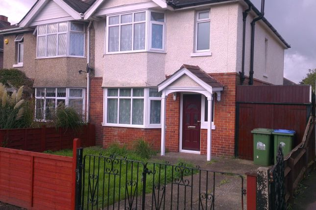 Thumbnail Semi-detached house to rent in King Georges Avenue, Southampton