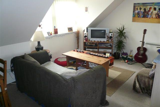 1 bed flat to rent in Lanark Road, Juniper Green EH14