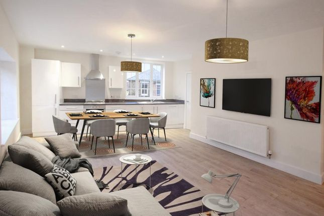 Thumbnail Flat for sale in Tonbridge Road, Barming, Maidstone