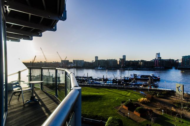 2 bed flat for sale in Wapping High Street, Wapping